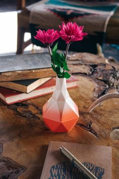 Hey, I found this really awesome Etsy listing at https://www.etsy.com/listing/242411591/geometric-ceramic-bud-vase-in-coral
