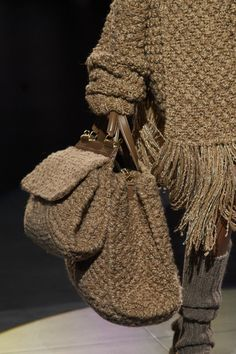 Dolce & Gabbana at Milan Fashion Week Fall 2020 - Details Runway Photos Diy Crochet Hook, Ooh La La Couture, Beautiful Handbags, Vintage Bags, Sweater Weather, Milan Fashion, Knitwear, Womens Fashion, How To Wear