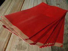 Papiertüten, 24 Stk.  http://de.dawanda.com/product/37160021-Papiertueten-rot-24-Stk-20x32cm