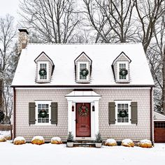 Cottage exterior, cottage shutters, hartford connecticut, west hartford, ex Cozy Cottage, Cottage Homes, White Cottage, Exterior Design, Interior And Exterior, Cape Cod Style House, New England Homes, New England Cottage, Decoration