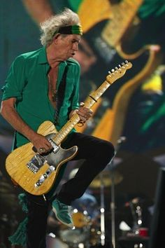 Keith Richards on Fire: Tel Aviv 2014 Keith Richards, Rolling Stones, Like A Rolling Stone, Charlie Watts, Mick Jagger, Ron Woods, Moves Like Jagger, Rock Legends, Lady And Gentlemen