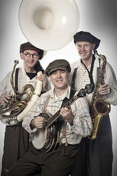 Old Dutch Musical Trio. Songs from Grantmothers time to classics, fanfare marches and even swing of radio-orchestra 'The Ramblers' Dutch Guys, Radio Band, The Old Days, Banjo, Orchestra, Holland, Jazz, Musicals, Acting