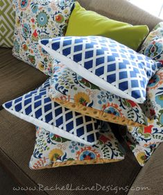 Rachel Laine Designs – Colorful Crochet, Crafts, and all things Creative :) Sewing Pillows, Diy Pillows, Throw Pillows, Crochet Crafts, Diy Crafts, Diy Cushion, Outdoor Cushions, Pillow Covers, Polka Dot
