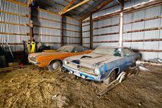 002-1970-challenger-cuda-barn-find.jpg (2000×1333)