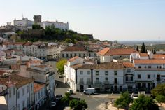 Estremoz, Alentejo, Portugal. (Photo: PhillipC) #alentejo #visitalentejo #portugal #visitportugal #travel #castle #estremoz