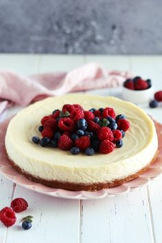 New York cheesecake Kitchen Stories, Dessert Recipes, Desserts, Fudge, Sweet Recipes, Cheesecake, New York, Food, Camilla