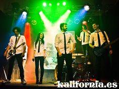 Orquestas para bodas y fiestas kalifornia Mari Carmen - La pegatina