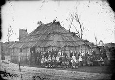 Gulgong Private School - [group photo outside slab hut school house] Historical Pictures, Historical Sites, Invention Of Photography, Australia Tattoo, Aboriginal History, Fishing Photography, History Teachers, World Photo, Victoria Australia