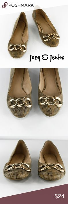 🆕Banana Republic Leopard Flats Gold Accents 8.5 Flats that make a statement! Excellent condition with light wear. Outside is in excellent condition as is the footbed. Sole of shoes show some wear and one shoe has 1/8 inch hole in outer part of sole but not in the shoe. Nothing else particular to point out. Outside is a textured fabric with subtle leopard underneath. There is no box. ● Size 8.5 Medium. In my opinion, a medium trending toward wider at toe area.  ● All man-made materials. ●…