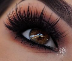 An effortless lash look that naturally blends in with your lashes Makeup Trends, Makeup Inspo, Makeup Inspiration, Makeup Goals, Makeup Tips, Beauty Makeup, Makeup Tutorials, House Of Lashes, Longer Eyelashes