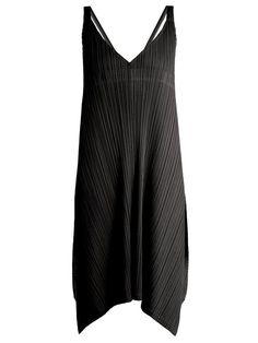 134e1dd1e1 Pleats Please Issey Miyake Pleated tie-back dress Divattervezők,  Minimalizmus
