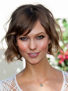 Karlie Kloss is Really Rocking Her Short Hair. And You Can, Too  http://primped.ninemsn.com.au/blogs/blush-hour/karlie-kloss-is-really-rocking-her-short-hair-and-you-can-too#