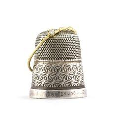 Alex Monroe | Goldcrest Fine Jewellery | Teeny Tiny Diamond Ring