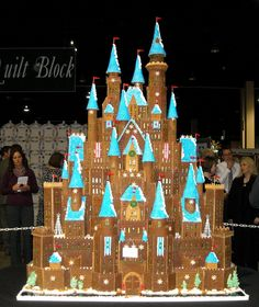 Gingerbread Castle Idc if I half to put blood swart and tears in to it I'm gonna do something like it maybe a lol smaller tho lol