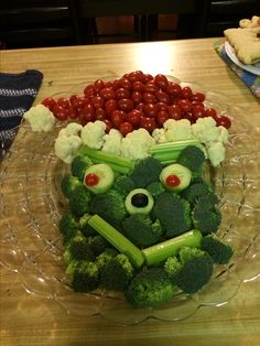 The Grinch veggie tray for Grace's Grinch Christmas Party @ school.