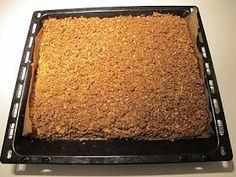 GUOD: Tante Wies koek of plaatkoek met appel High Tea, Cornbread, Banana Bread, Macaroni And Cheese, Desserts, Ethnic Recipes, Was, Rotterdam, Squares