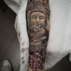 Brazo oriental en proceso. Hay zonas curadas y otras recientes.#tattoovalencia #tatuajevalencia #tat - carlesbonafe