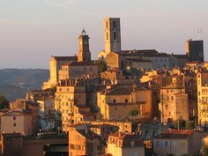 Grasse © space dolphin