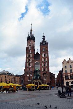 La plaza medieval más grande de Europa http://blgs.co/C2f4gD