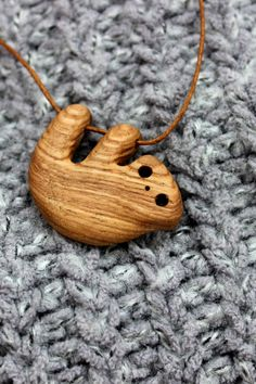 made accessories brooches Hanging Sloth Pendant Wooden Crafts, Wooden Diy, Handmade Wooden, Small Wood Projects, Wood Necklace, Wooden Jewelry, Wood Carving, Wood Art, Mother Day Gifts