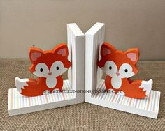 Baby Fox Bookends - Woodland Nursery Decor - Fox Book Holders - Wooden Bookends - Baby Shower Gift - Animal Bookends - Fox Nursery Decor Baby Fox Bookends Woodland Nursery Decor Fox by TimelessNotion Fox Nursery, Woodland Nursery Decor, Fox Themed Nursery, Woodland Animal Nursery, Woodland Animals, Wooden Bookends, Shower Bebe, Book Holders, Nursery Themes
