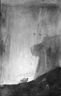 Fotografía realizada por J. Laurent, hacia 1874, que muestra el estado de la obra antes de ser trasladada del muro de la Quinta del Sordo. Se puede observar un roquedal y unas posibles aves, a las que el perro dirige su mirada.