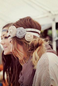 flower head band in soft pretty neutrals