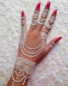 Adorable White Hena Inspiration In Wedding Days - Henna Henna Hand Designs, Henna Tattoo Designs, Pretty Henna Designs, Bridal Henna Designs, Unique Mehndi Designs, Mehndi Designs For Hands, Henna Designs White, Henna Tattoo Hand, Henna Tattoos