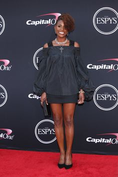 LOS ANGELES, CA - JULY 12:  Issa Rae attends The 2017 ESPYS at Microsoft Theater on July 12, 2017 in Los Angeles, California.  (Photo by Phillip Faraone/Patrick McMullan via Getty Images) via @AOL_Lifestyle Read more: https://www.aol.com/article/lifestyle/2017/07/13/espy-awards-2017-best-of-beauty/23028303/?a_dgi=aolshare_pinterest#fullscreen