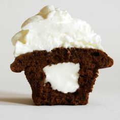 From my old recipe blog Ming Makes Cupcakes - Cupcake 28, gingerbread cupcakes with fluffy cream cheese filling.