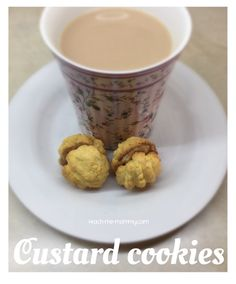 Make these easy and yummy custard cookies with the kids! A favourite South African cookie recipe! Best Easy Dessert Recipes, Easy Desserts, Sweet Recipes, Dog Food Recipes, Cookie Recipes, Custard Biscuits, Custard Cookies, Cake Cookies, Salted Caramel Fudge