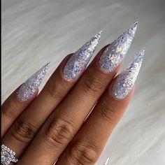 Bring that bling with these nails! By: @hodanails Sassy Nails, Dipped Nails, Glitter Nail Art, Nail Decorations, Nail Art Hacks, Nail Wraps, Nail Tutorials, Press On Nails, Manicure