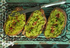 Citromos zöldborsókrém | Nosalty Summer Recipes, Avocado Toast, Guacamole, Pesto, Vegan Recipes, Mexican, Meals, Breakfast, Ethnic Recipes