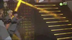 """TaeTaeV36 trên Twitter: """"❌160121 BTS GDA Red Carpet ❌#뷔 #태형 #Taehyung #방탄소년단 #진 #지민 #jimin #jin #jungkook #jhope #suga #윤기 #제이홉 #랩몬스터 #슈가 https://t.co/kHf2g4GdjV"""""""