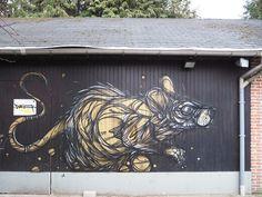 A bela e animalesca arte urbana de Dzia - Por meio de linhas bem expressivas, quase abstratas, e uma geometria caótica, o artista belga  Dzia cria belos murais com a temática animal.  Confira!
