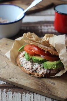 Tips for healthy eating abroad Pita Bread Fillings, Lunch Recipes, Healthy Recipes, Healthy Food, Natural Born Feeder, Tuna Mayo, Come Dine With Me, Salmon Burgers, Sandwiches