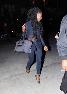 Brandy-Norwood-goes-to-the-Lakers-game-celine