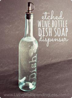 料理用のオイルにも使うキャップをつければ、食器用ソープディスペンサーとして使えます。