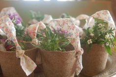 Mini Flower Baskets: Jiffy Pots {I used the 2 inch pots} soil small flowers that will fit in the pots several fabric strips inch x 8 inches long} Cute Gifts, Diy Gifts, Handmade Gifts, Flower Baskets, Flower Pots, Guest Gifts, Neighbor Gifts, Mothers Day Crafts, Small Flowers