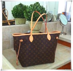 Wow__Worth it! Cofortable and cheap Fashion Purse and Handbags.Only $235.99