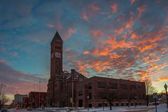 Spectacular sunset clouds color the Sioux Falls skyline. Photo by Christian Begeman.