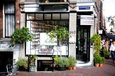 Niz Cherradi   9 streets Amsterdam fashion blogger fashionista travel review marie stella-maris lotion zara tods chanel dior