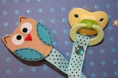 owl pacifier clip!  what a cute diy idea!
