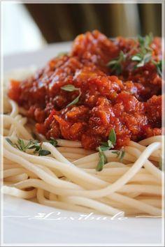 """Ce n'est plus un secret pour personne, """"j'Adore"""" tester de nouvelles recettes de sauce à spaghetti hihi!! Quand j'ai aperçu cette intrigua..."""