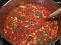 Best Tomato Recipes Thick and Chunky Homemade Salsa. notes: use canned tomatoes with green chile for shortcut. Homemade Chunky Salsa, Homemade Pickles, Homemade Salsa, Salsa Canning Recipes, Canning Salsa, Pace Salsa Recipe, Best Canned Salsa Recipe, Healthy Foods, Pico De Gallo