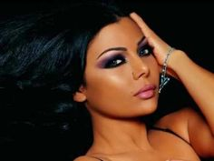 Haifa wehbe..dis arabic chick makeup. Dramatic n sexy.
