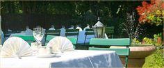 """Für größere Veranstaltungen im Freien während der Sommerzeit bietet unser Garten die besten Vorraussetzungen. Auf einer Fläche von ca. 400m² ist ausreichend Platz um der Feier den nötigen """"Spiel-Raum"""" zu geben. Im Schatten der Bäume finden Sie beste Erholung vom Altagsstress.  Im hinteren Teil des Gartens befindet sich das Mühlenfließ. An besonders warmen Tagen haben Sie oder Ihre Gäste die Möglichkeit, sich ein wohltuendes, erfrischendes Fußbad zu gönnen."""