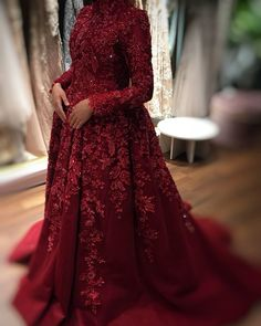 Long Sleeves Muslim Evening Dress Burgundy A-line High Neck Vintage Lace Appliques Long 2020 Arabic Dubai Formal Evening Gowns Muslimah Wedding Dress, Hijab Wedding Dresses, Wedding Dress Patterns, Bridal Dresses, Formal Dresses, Dress Wedding, Muslim Evening Dresses, Evening Gowns, Dress Outfits