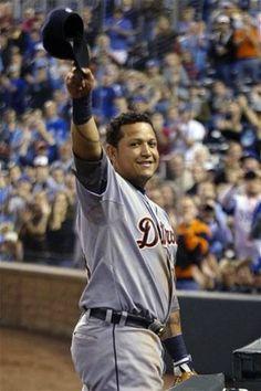 AP PHOTOS: Tigers slugger Cabrera makes history - Cabrera GRANDE!