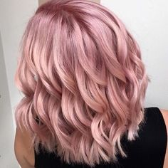 "27 Rose Gold Hair Color Ideas That Make You Say ""Wow!"", Rose Gold Hair Color Gold Pink Hair Colors Fashion for certain colors and shades can walk in a circle for several years or regularly come back into us. Gold Hair Colors, Hair Color Pink, Pink Champagne Hair Color, Weird Hair Colors, Hair Colors For Blondes, Light Pink Hair Color, Short Hair Colors, Champagne Blonde, Hair Color Balayage"